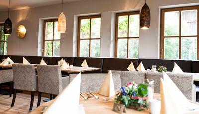 guenstige-Moebel-Gastronomie-Bistro-Restaurant