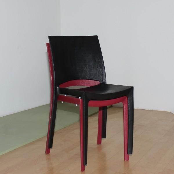 Stapelstuhl aus Kunststoff