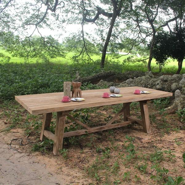 massiver, repräsentativer, trendiger Tisch LUIS, einsetzbar als Restauranttisch oder Terrassentisch