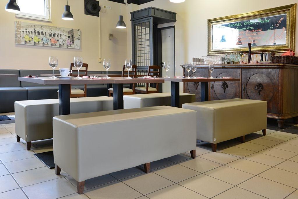 Sitzbaenke-Gastrobaenke-fuer-Bistros-RestaurantsPpb3TkshcVBkb