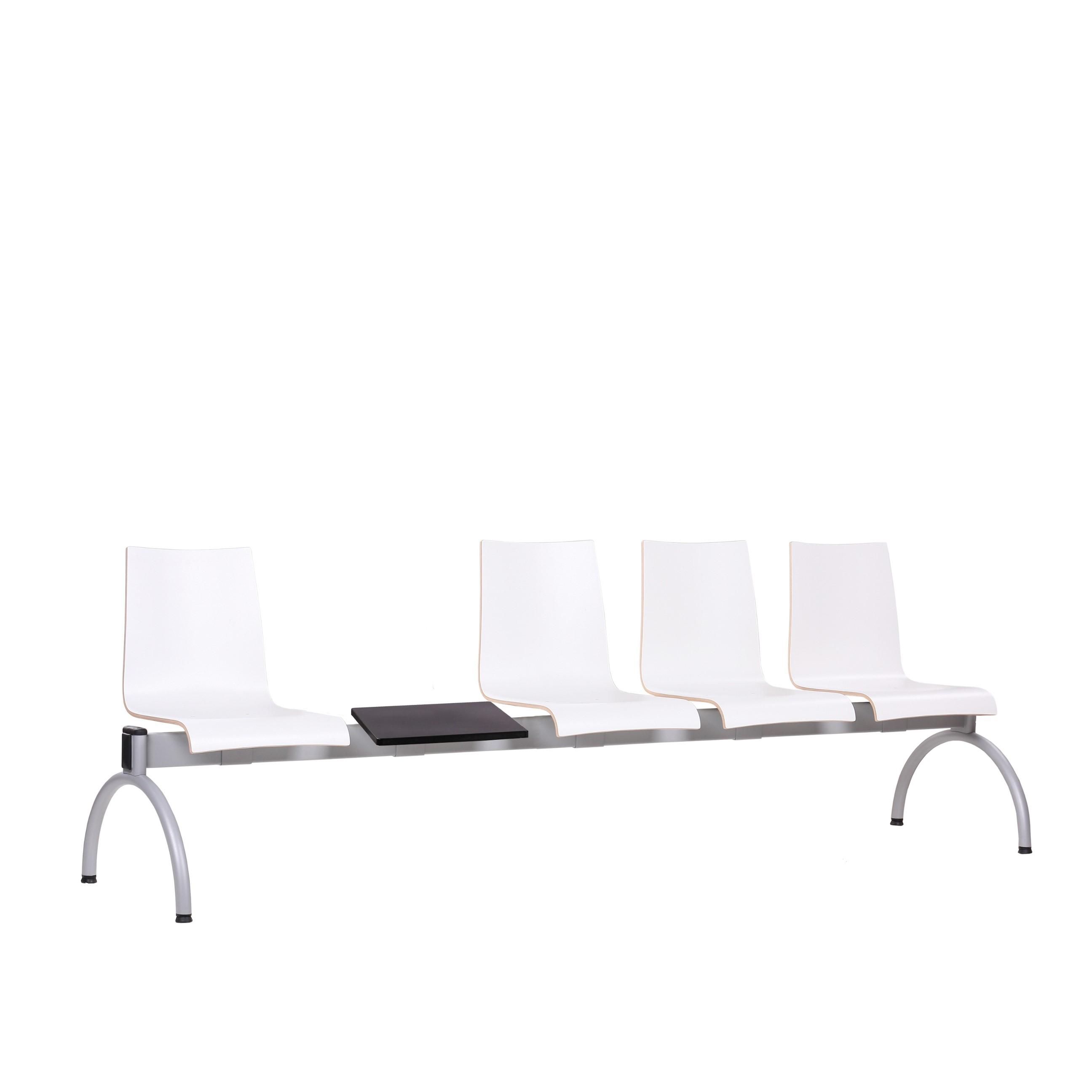 4-Sitzer mit Tisch