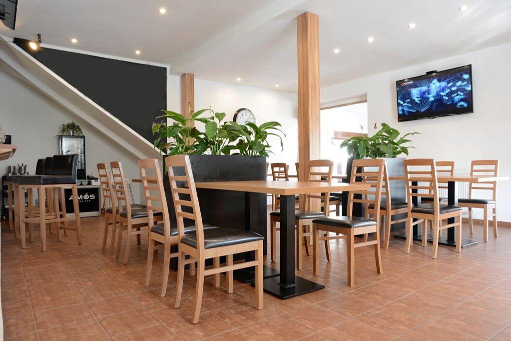 Restaurantstuhle-Bistrostuhle-BIANCA-P-mit-Bistrotisch-PADUAfx6pnMkrJN15J
