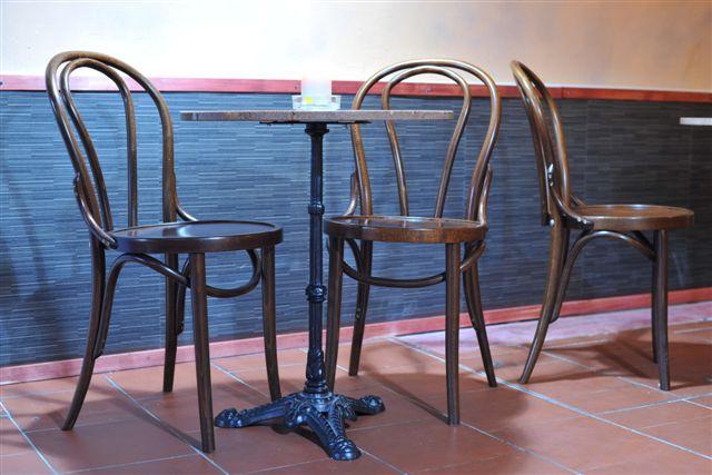 Tischgestell LEON 3 mit Bugholzstuhl CLASSICO S10