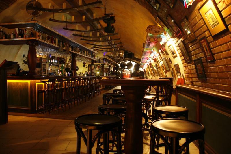 Bugholzmoebel für Bars