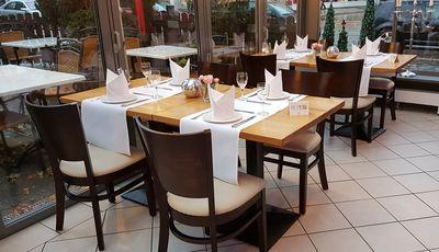 Restaurantstuehle AROL