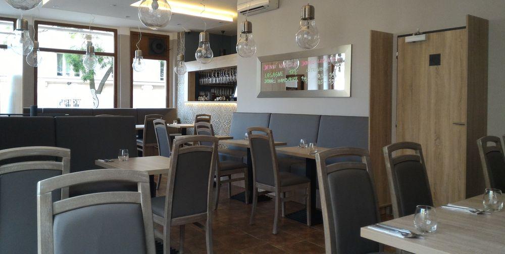 Stühle Gastronomie Restaurant antiklook grau Vintagelook